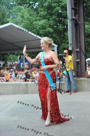 Appanoose County Queen Skyler Lawson, 17, of Cinncinati, is introduced during the Iowa State Fair Queen Coronation Ceremony on the Anne and Bill Riley Stage at the Iowa State Fair on Aug. 9. (Iowa State Fair/ Steve Pope Photography)
