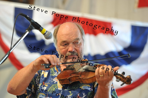 Leon Johnson, 69, of Mitchellville, participates in the Fiddler's Contest at the Iowa State Fair on Aug. 16. (Iowa State Fair/ Steve Pope Photography)