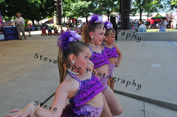 A West Des Moines jazz dance trio of Jersey Symber, 10, Jaci Stock, 9, and Kirsten Sahlin, perform in the Bill Riley Talent Search at the Iowa State Fair on Aug. 14. (Iowa State Fair/ Steve Pope Photography)