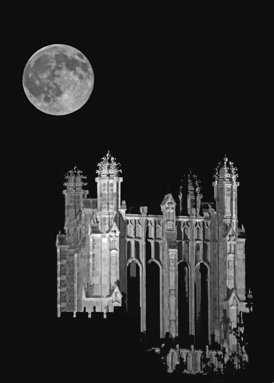 Fullmoon above Gothic Tower_45