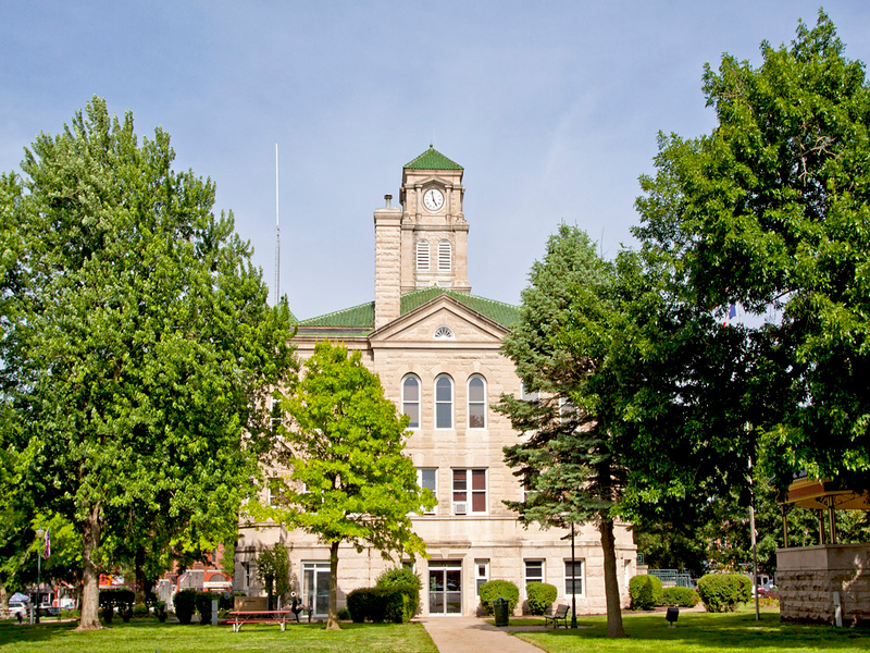 Appanoose County Courthouse view 2. Located in Centerville, IA.