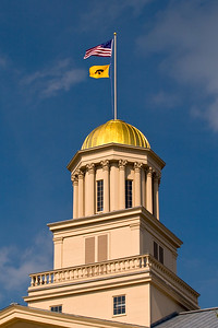 Old Capital Dome, Hawk & State Flag.