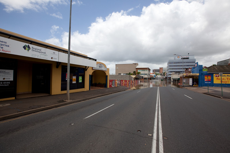 Intersection of East St & Brisbane St Ipswich looking towards Ipswich Hospital - 12 Jan 2011