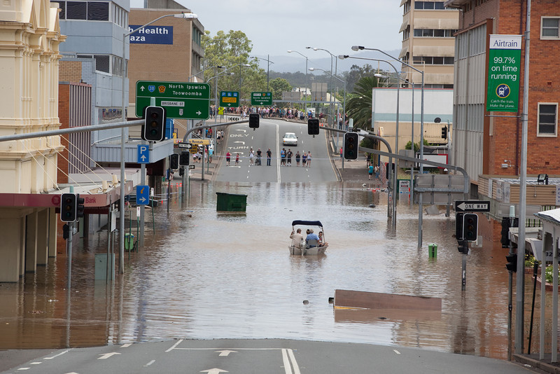 Intersection East St & Limestone St Ipswich, as a boat came from Limestone St into East St headed towards Brisbane St - 12 Jan 2011