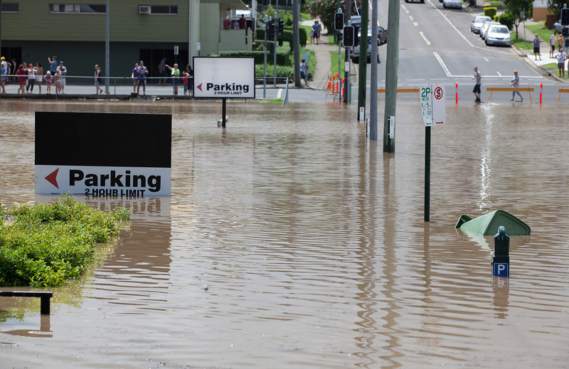 Intersection South St & Gordon St Ipswich, taken from South St looking towards Queens Park - 12 Jan 2011