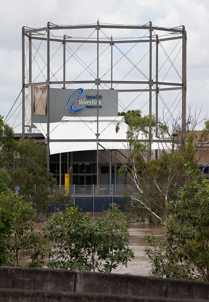 Riverlink Shopping Centre as seen from Ipswich City Square car park - 12 Jan 2011