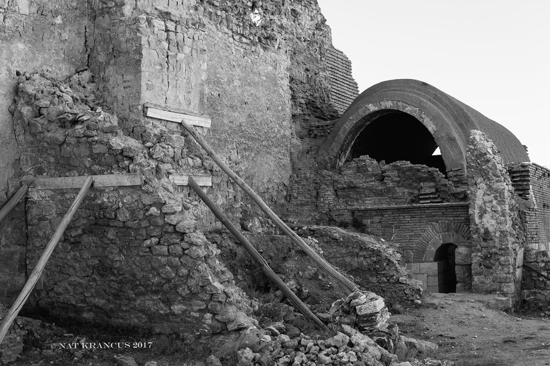 Ruins Takht-e Soleymān