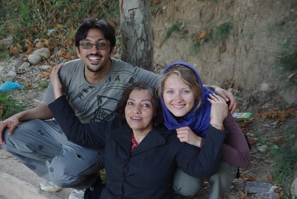 Z Alireza i jego mama - specjalnie do zdjecia zdjęla Hajib
