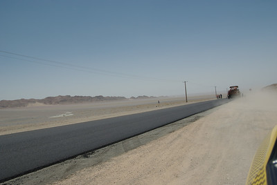 Drogi w Iranie naprawde sa wypasione - jak tylko cos jest nie tak to remontuje nawet te na pustyni