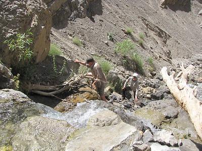 Wspinaczka do wodospadu