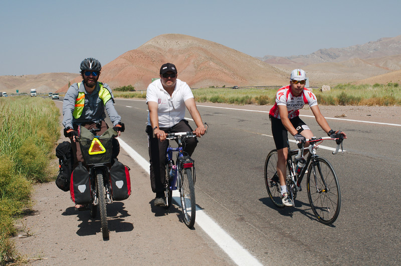 Akbar's friend rode with us for about 20km towards Tabriz, we also picked up a road cyclist who accompanied us almost all the way to Tabriz