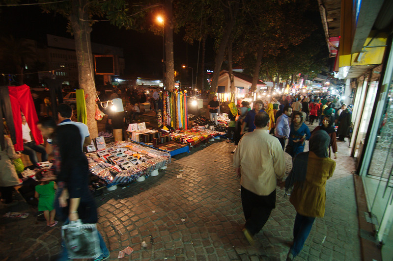 Iranians love to go out in the evening