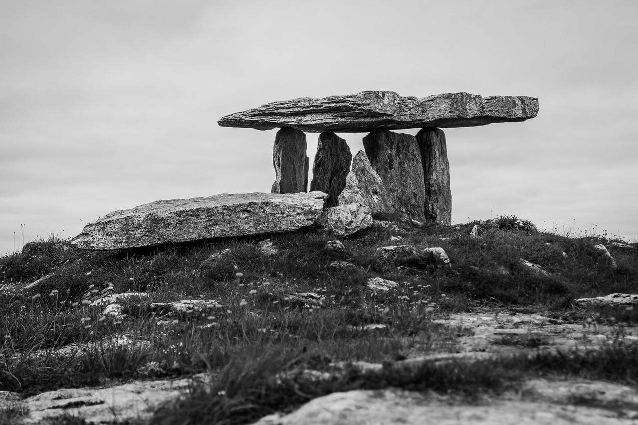 Poulnabrone dolmen, Burren, Ireland