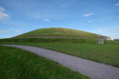 A final look at Newgrange<br /> I don't know if we just got lucky or if all the reviews with their warnings were overblown.  I do know that Brú na Bóinne was fascinating and I'm very glad we were able to experience it.
