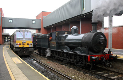 2) steam, 186 at Belfast Central on 15th December 2007