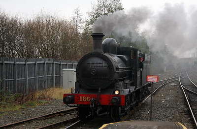 1) steam, 186 at Belfast Central on 15th December 2007
