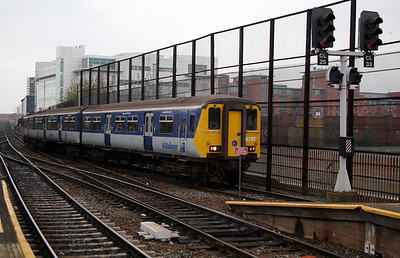 8787 at Belfast Central on 15th December 2007