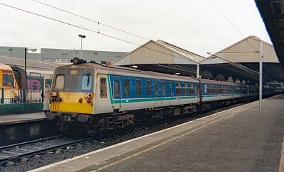 NIR, 8069 at Dublin Connolly on 5th July 2003