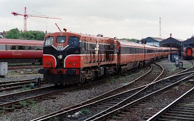 185 at Dublin Heuston on 11th May 1999