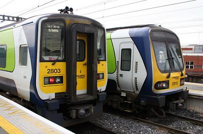 2803 & 29110 at Dublin Connolly on 14th November 2006 (2)