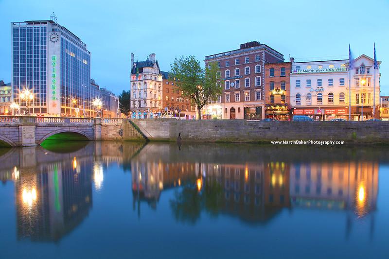 River Liffey and O'Connell Bridge, Dublin, Ireland.