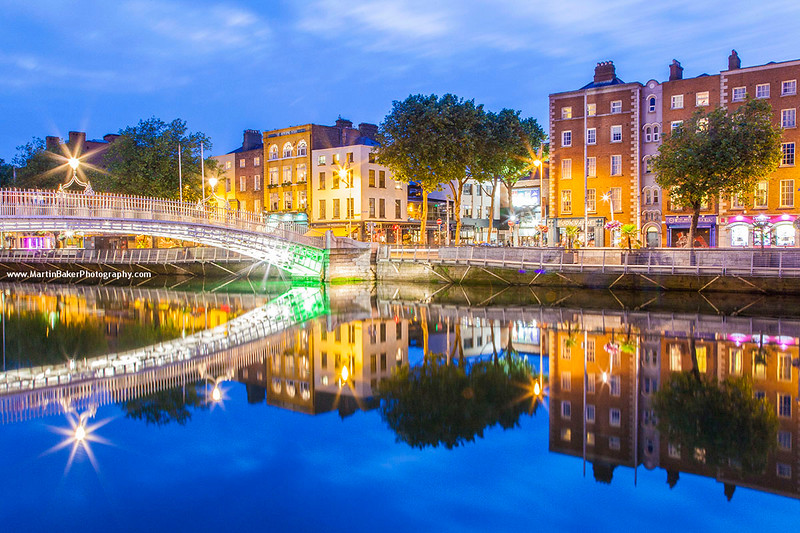 Ha'penny Bridge and River Liffey, Dublin, Ireland.