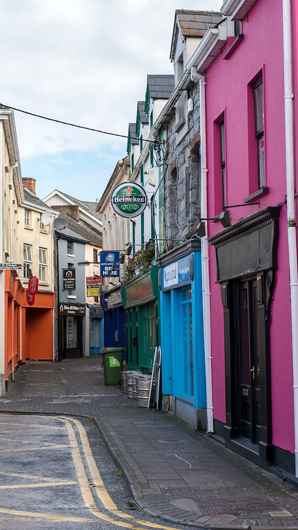 Ennis - pink and blue buildings