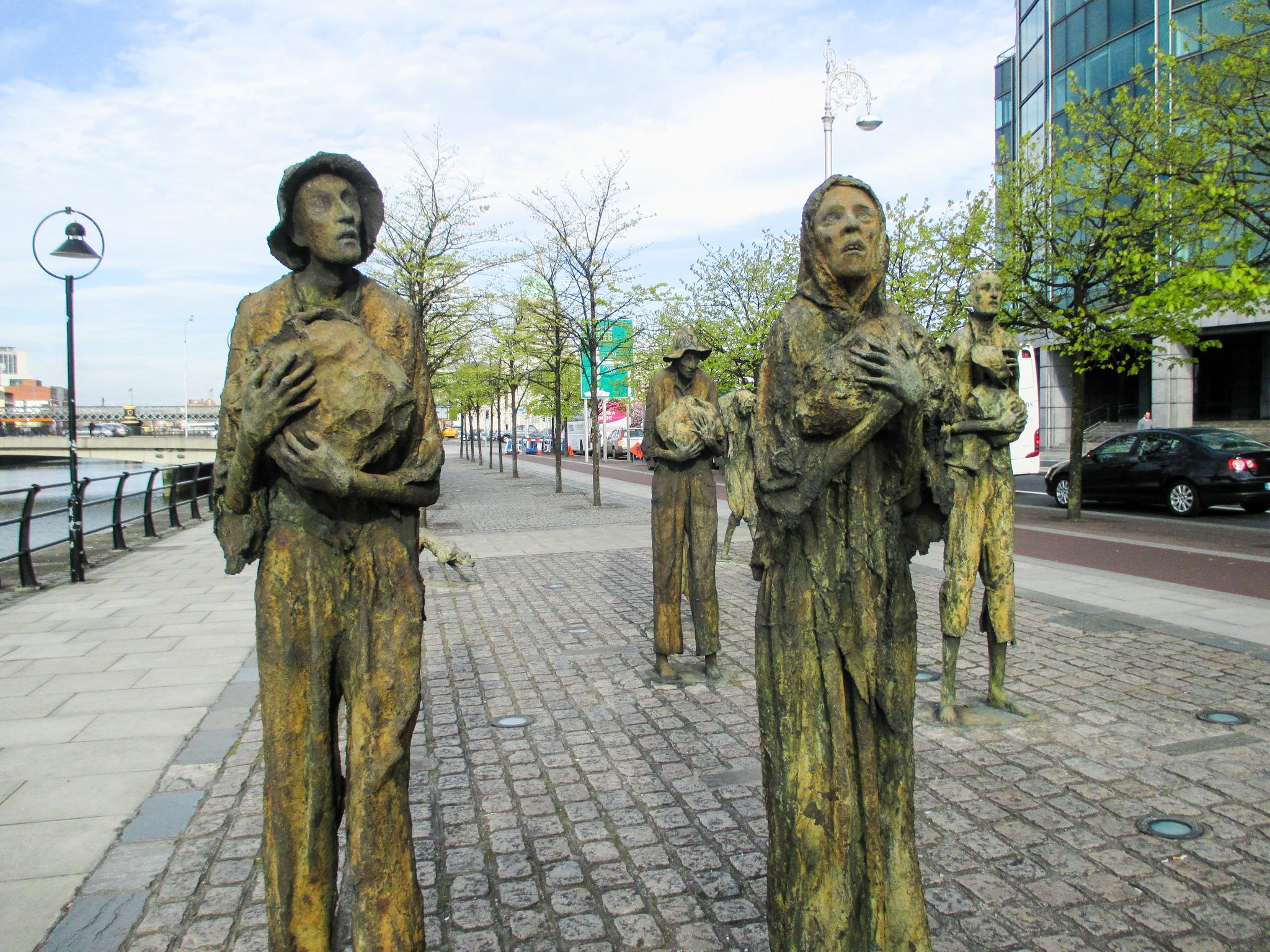see the irish famine memorial when alone in dublin