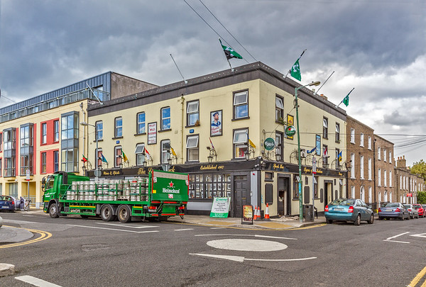 The lower deck pub - Portobello Harbour - Dublin Ireland - corner view