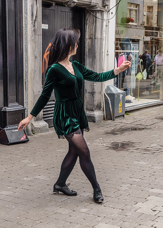 Street entertainer in Galway-She waves to Dick in the video that follows.