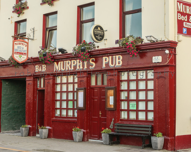 Murphy's Pub , Dingle , Ireland