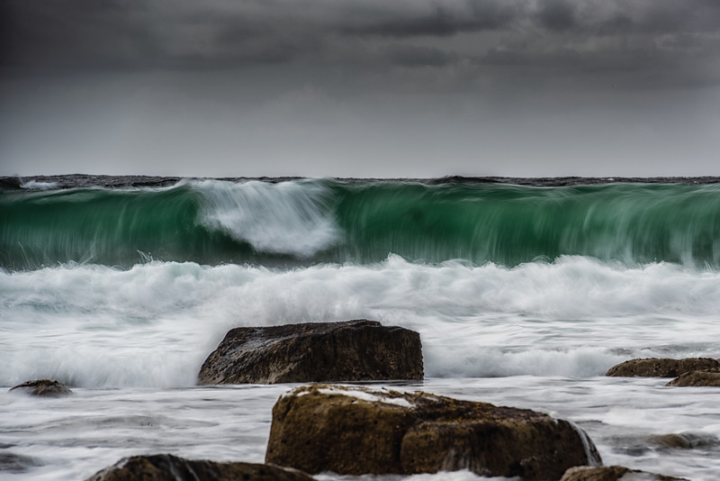 Green swell waves