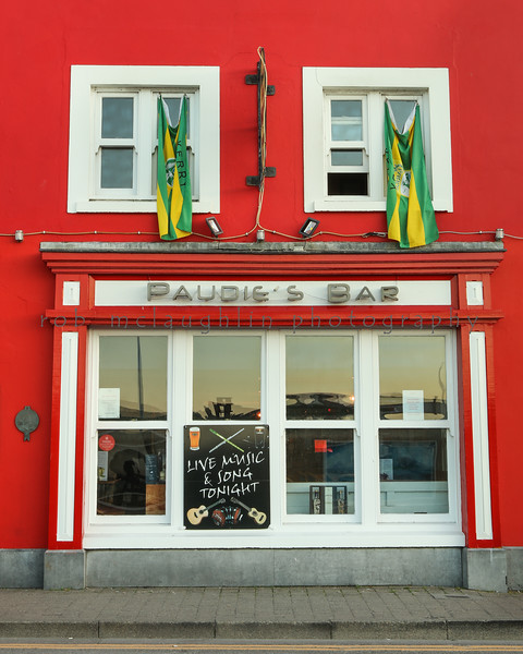 Paudie's Bar , Dingle , Ireland