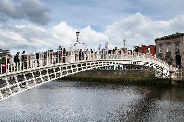 Ha' Penny Bridge