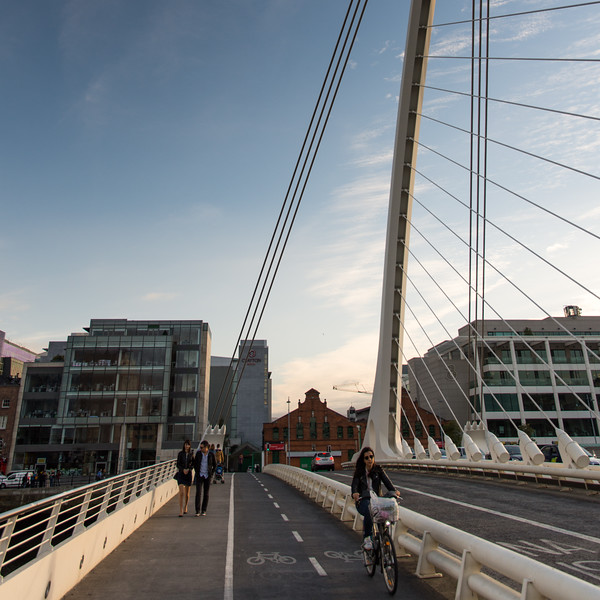 Samuel Beckett Bridge cycleway