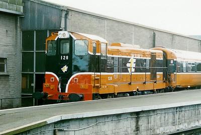 128 at Dublin Connolly on 25th January 1998