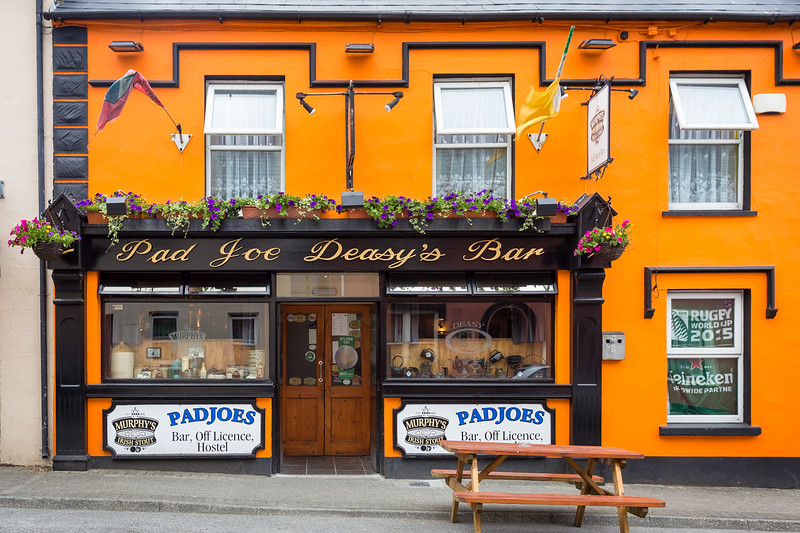 Pad Joe Deasey's Bar