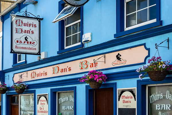 Muiris Dan's Bar