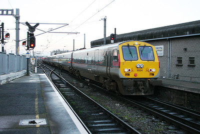 9004 arrives at Connnolly
