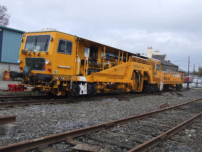 739  -  Plasser & Theurer 08-16 Tamper - at Kildare on 06.11.08.