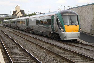 22133 at Kildare on 27.04.11.