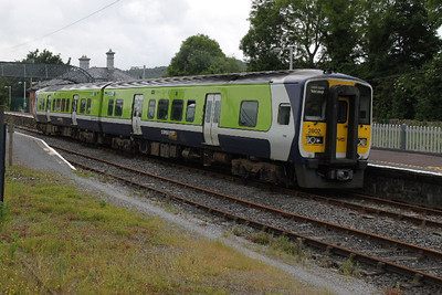 2802 (+ 2801) on 11.40 Waterford -  Limerick Junction service on 23.06.12.