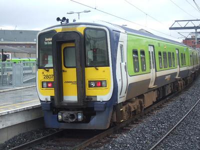 2807  -  At Connolly on 25.03.06 on 13.20 Dublin - Dundalk service (late).