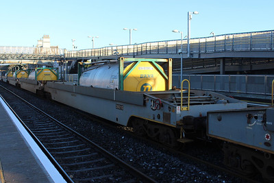 36010 - Pocket Wagon at Kildare on 09.01.14 on 11.00 Ballina - Waterford Liner.
