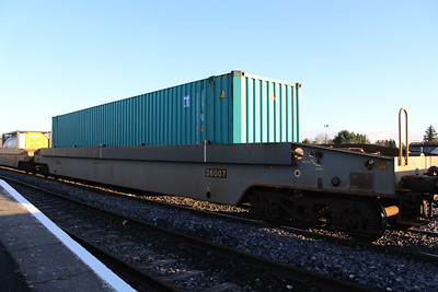 36007 - Pocket Wagon at Kildare on 09.01.14 on 11.00 Ballina - Waterford Liner.
