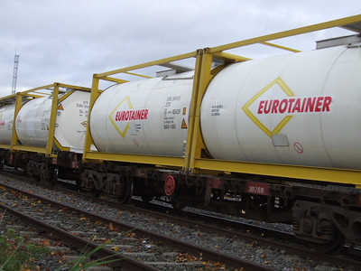 Eurotainer Tanks on Bogie Flat 30268 at Carlow on 14.11.08 en-route to Waterford.