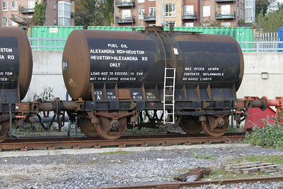 633A - Fuel Oil Transfer Tank - on 07.11.09 at Heuston Yard.
