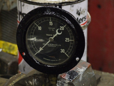 Vacuum Gauge cleaned and painted on 28.10.06.