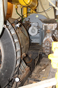 Alistaire  and Bob spent all day Saturday an Sunday lining up the engine and generator (20.01.13)