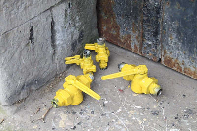 Air Valves painted yellow on 13.04.14.